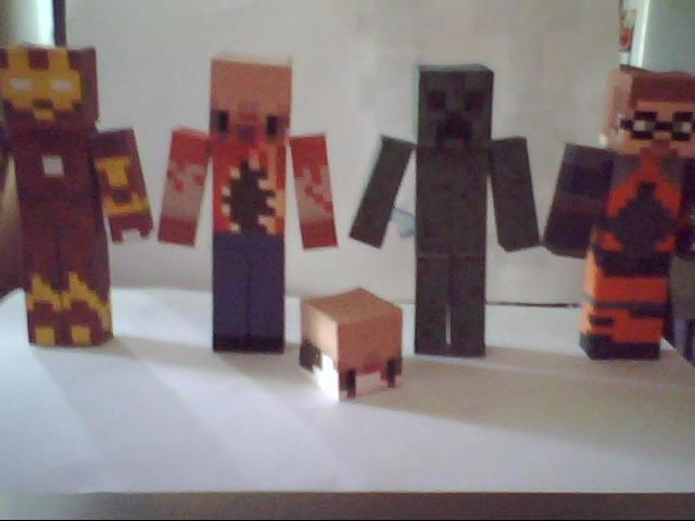 Freeman, Ironman, headcrab, creeper and a Zombie